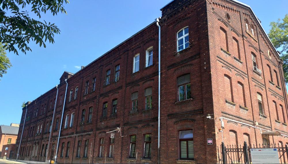 Budynek przy ulicy Fabrycznej 21